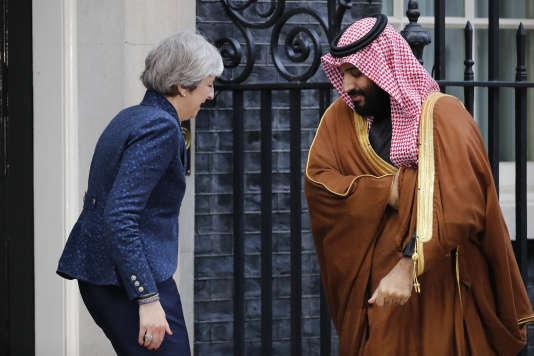 La première ministre britannique, Theresa May, et le prince Mohammed Ben Salman, le 7 mars.