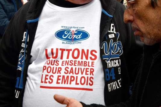 Un manifestant contre la fermeture de l'usine Ford de Blanquefort, à Bordeaux, le 9mars.