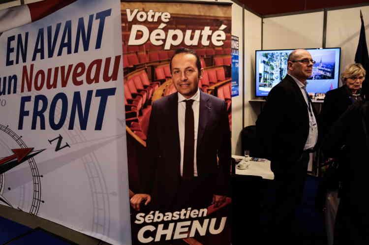 Le stand Nord Pas de Calais orné d'une photo géante de l'élu FN du département, Sebastien Chenu.