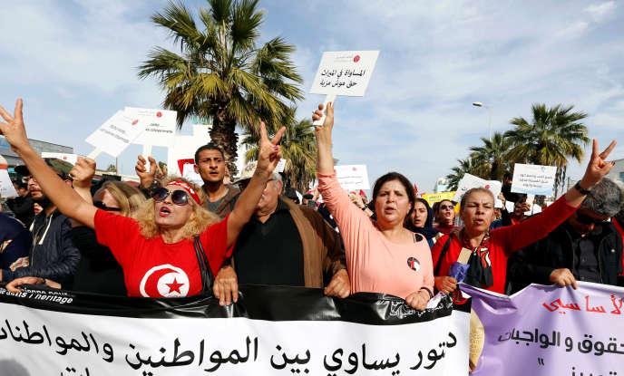 Marche pour l'égalité entre les hommes et les femmes, à Tunis, le 10 mars.