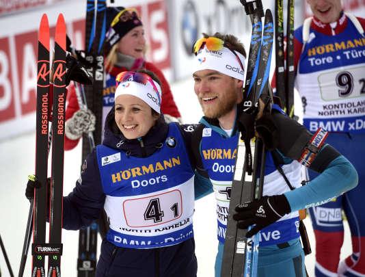 Anais Chevalier et Antonin Guigonnat, après leur victoire, le 10 mars 2018 àKontiolahti, en Finlande.