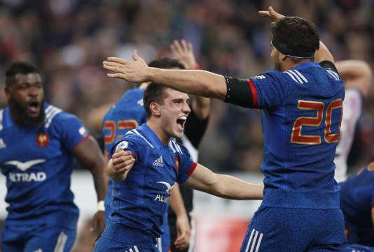 Baptiste Couilloud fête la victoire française contre l'Angleterre, le 10 mars 2018.