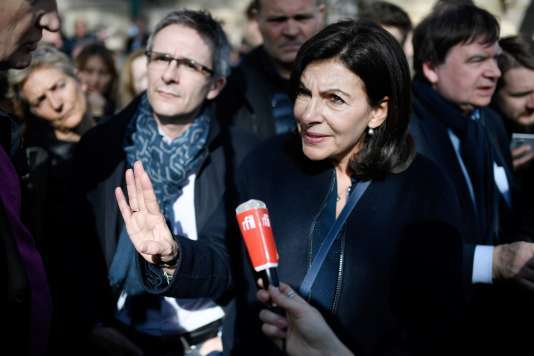 La maire de Paris, Anne Hidalgo, lors du rassemblement le 10 mars à Paris.