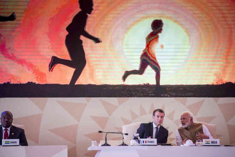 L'ASI veut offrir l'«écosystème» rassemblant les solutions technologiques, les ressources financières et les capacités de production de masse pour les 121 pays situés entre les tropiques du Cancer, a expliqué M. Modi.