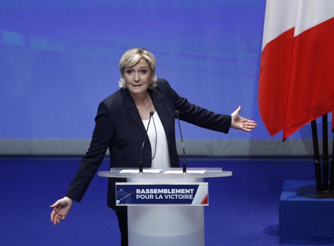 La présidente du Front national, Marine Le Pen, lors de son discours à Lille, le 11mars.