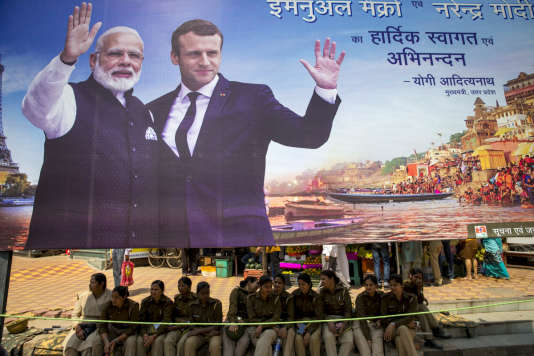 Emmanuel Macron, président de la République, visite Bénarès en compagnie de Narendra Modi.