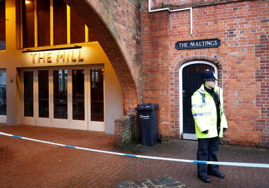 Le pub The Mill où Sergueï Skripal et sa fille Youlia sont passés le jour de leur empoisonnement, a dû être fermé, à Salisbury, au Royaume-Uni, le 4mars.