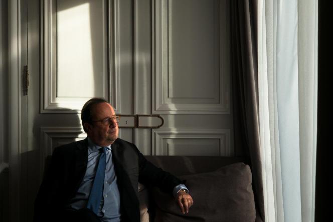 L'ancien président de la République, François Hollande, à Paris, le 11 mars.
