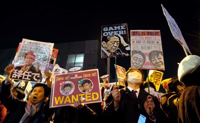 Manifestation contre le premier ministre, Shinzo Abe, à Tokyo, le 12 mars 2018.