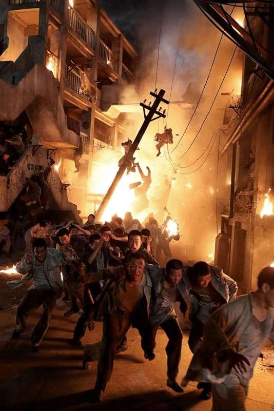 Le film met en scène le soulèvement spectaculaire des mineurs d'Hashima, une mine de charbon située sur une île japonaise.