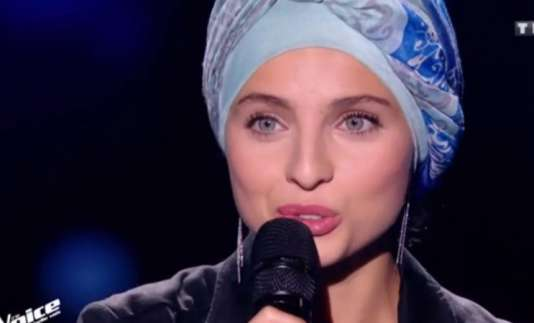 Mennel Ibtissem lors des auditions à l'aveugle de « The Voice ».