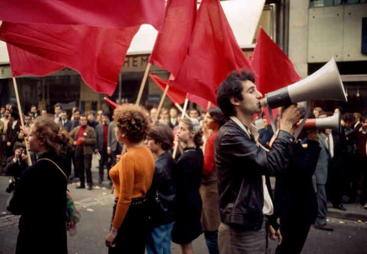 Manifestation parisienne du 13 mai 1968. Au premier plan, le leader étudiant Henri Weber.