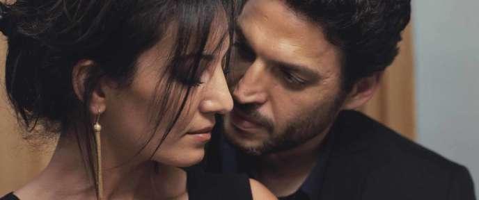 Le film dépeint l'insupportable pression sociale subie par les Marocains (ici, Maryam Touzani etArieh Worthalter).