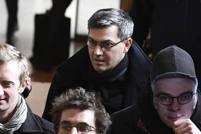 Julien Coupat, à l'arrivée à son procès au tribunal de Paris, le 13 mars.