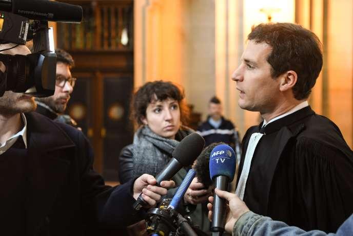 L'un des avocats de la défense, Jérémie Assous, le 13 mars 2018 au palais de justice de Paris.