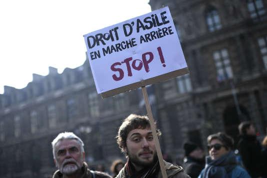 Rassemblement contre la future loi asile-immigration à Paris, le 21 février 2018.