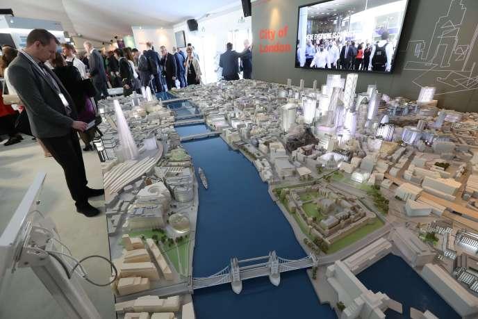 La maquette de la City de Londres auMarché international des professionnels de l'immobilier (Mipim) à Cannes, le 13 mars 2018.