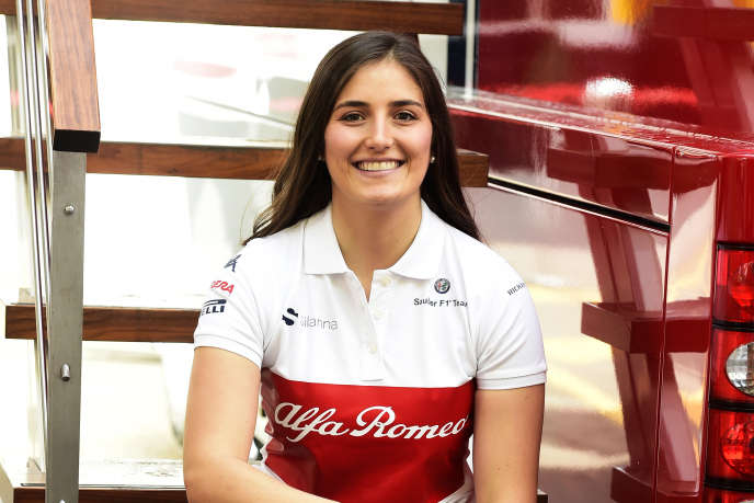 La pilote colombienne Tatiana Calderon a été confirmée le 5 mars pilote d'essai de l'écurie de F1 Alfa Romeo Sauber pour la saison 2018.