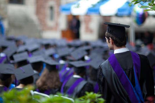 Un jeune diplômé de Yale, Etats-Unis.