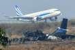 Quarante-neuf personnes ont été tuées et 22 blessées dans le crash d'un Bombardier Dash 8 Q400 turbopropulseur en provenance de Dacca, le pire accident d'avion au Népal depuis un quart de siècle.