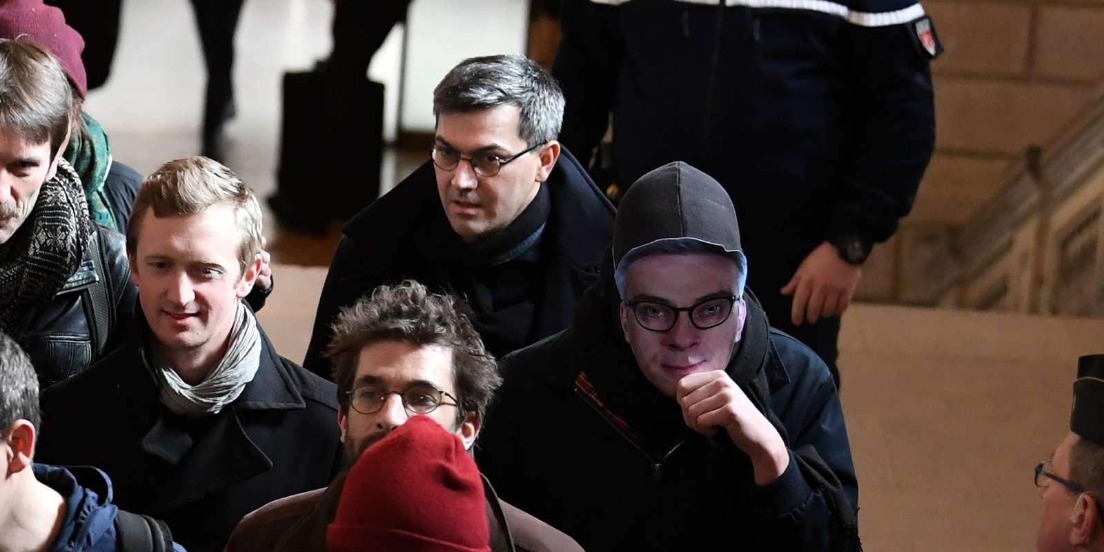 Julien Coupat à son arrivée au tribunal correctionnel de Paris à l'ouverture du procès du« groupe de Tarnac», le 13 mars 2018.