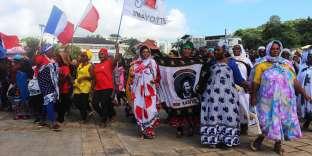 Depuis le 20 février, l'île connaît des mouvements sociaux qui bloque l'île. Si l'insécurité est la principale revendication des grèvistes, elle découle d'une situation économique et sociale très précoccupante.
