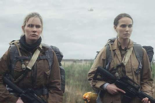 Jennifer Jason Leigh et Natalie Portman dans « Annihilation», d'Alex Garland.