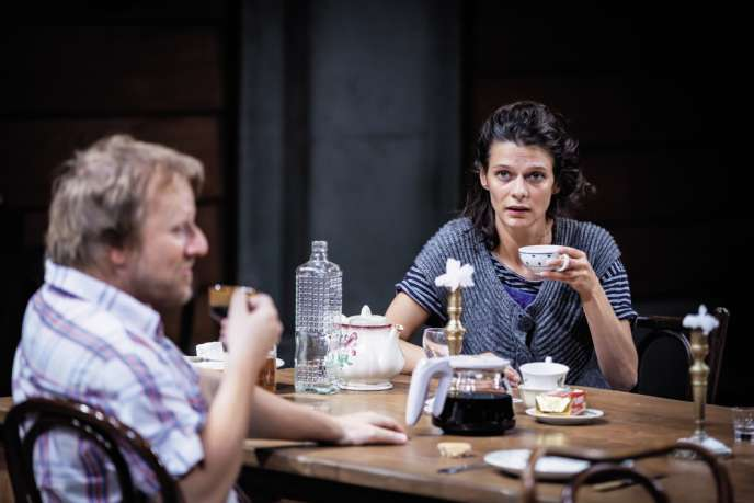 Anna Cervinka dans la pièce «Vania».