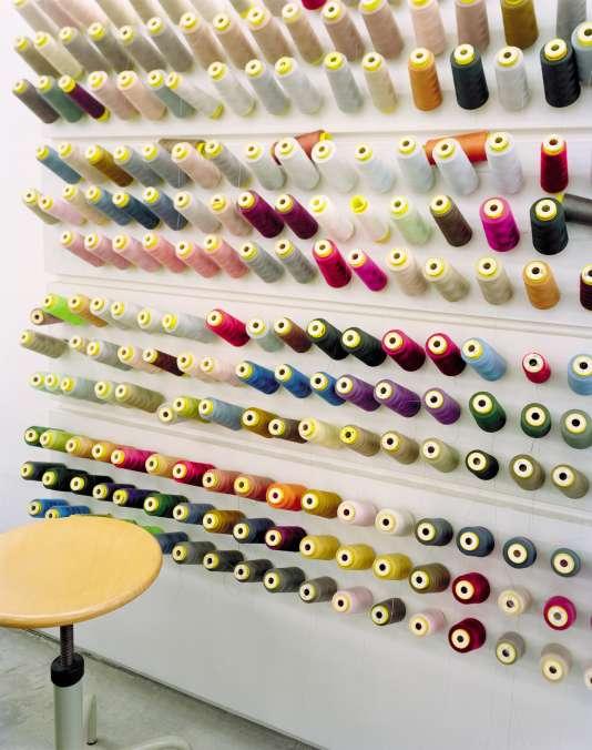 Les ateliers de confection, dans les locaux de Prada, à Milan.
