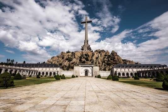 Officiellement « lieu de réconciliation », la basilique du Valle de los Caídos est devenue un symbole du franquisme. Mais des républicains reposent aussi dans ses cryptes.