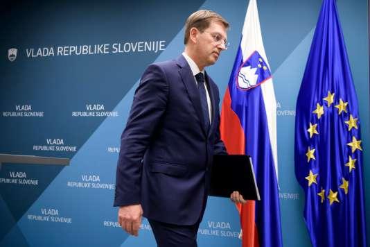 Le premier ministre slovène,Miro Cerar, lors de la conférence de presse pour annoncer sa démission, àLjubljana, le 14 mars.