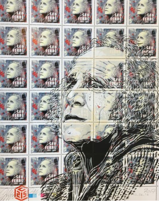 Feuille de timbres de C215 à l'effigie de Léo Ferré, avec un pochoir de l'artiste qui reprend l'image du timbre.