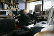 Stephen Hawking, dans son bureau de Cambridge, en 2007.