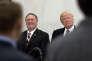 Donald Trump et Mike Pompeo, au quartier général de la CIA, à Langley (Virginie), le 21 janvier 2017.