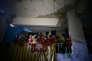Des enfants abrités à Douma, dans la Ghouta, près de Damas, le 11 mars.