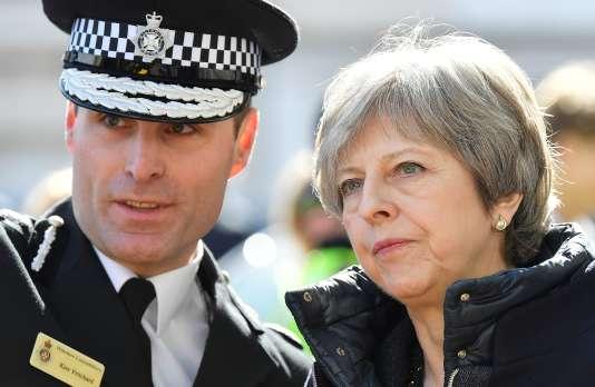 La première ministre britannique, Theresa May, a annoncé le 14 mars la « suspension des contacts bilatéraux avec Moscou».