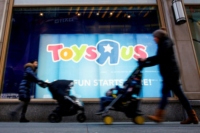 Le magasin de la chaîne Toys'R'Us sur Times Square à New York, le 9 mars.