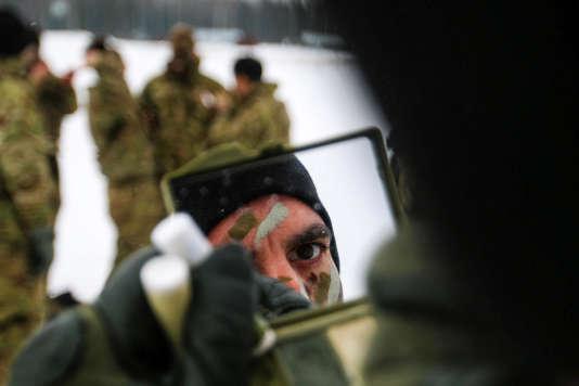 Un sergent de l'armée américaine déployé en Estonie, le 10 mars.