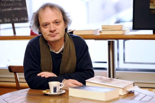 André Markowicz,célèbre pour ses versions dépoussiérées des romans de Fiodor Dostoïevski, pose le 2janvier 2012 à Rennes.