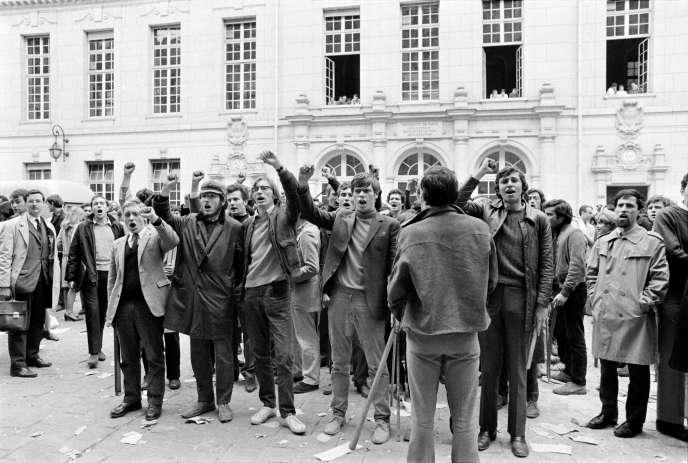 Manifestation étudiante, à la Sorbonne, le 3mai 1968, à Paris.