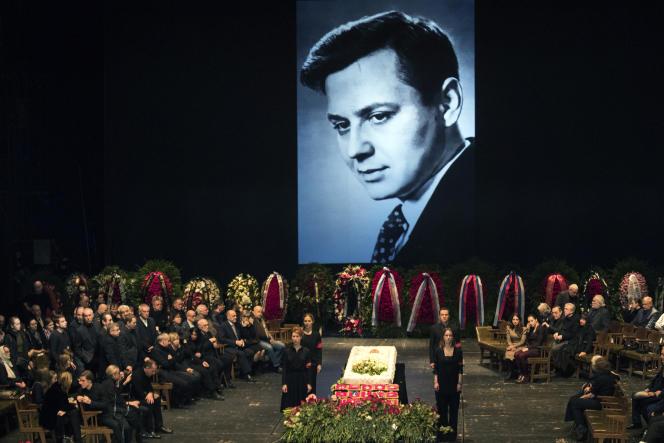 Hommage à Oleg Tabakov, au théâtre Anton-Tchekov à Moscou, le 15 mars.