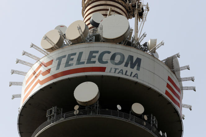 La tour Telecom Italia à Rome, en 2016. Le groupe vivendi a pris le contrôle de l'opérateur historique italien en 2015.