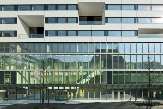 L'hôpital universitaire de Genève réalisé par Brunet Saunier Architecture.