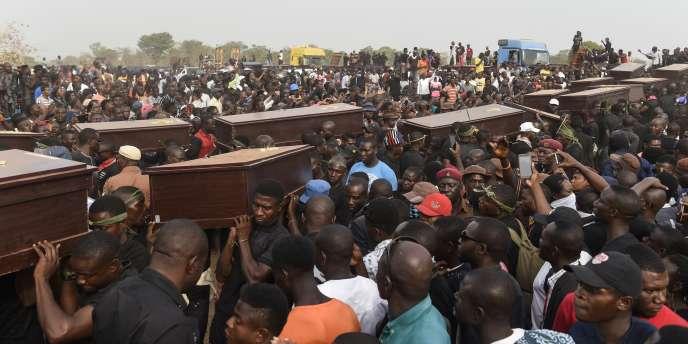 Funérailles le 11 janvier 2018 à Makurdi, capitale de l'Etat de Benue, après des affrontements entre éleveurs peuls et cultivateurs chrétiens.