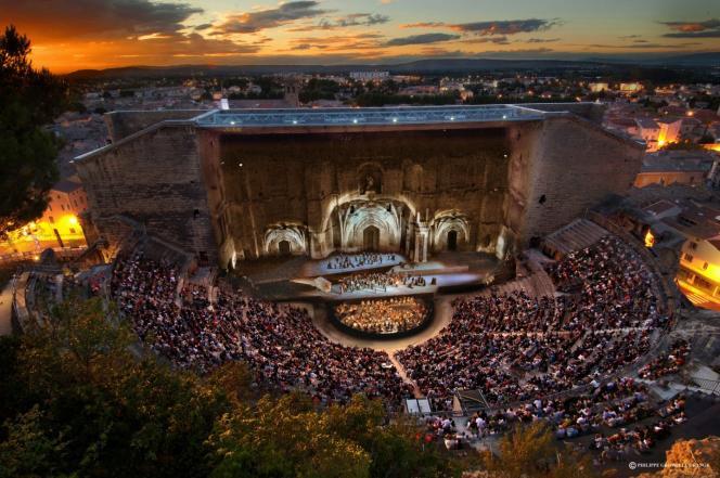 L'événement lyrique qui se tient depuis 1869 au Théâtre antique d'Orange (ici,« Il Trovatore», en 2015).
