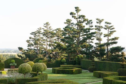 Le jardin du château de La Ballue, à la beauté très classique.