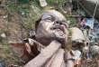 La statue de Lénine détruite par les supporteurs du parti nationaliste hindou Bharatiya Janata, dans le nord-est de l'Inde, le 5 mars.
