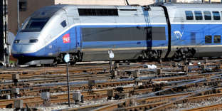 FILE PHOTO: A TGV train (high speed train) arrives at the French state-owned railway company SNCF station in Marseille, France, March 14, 2018. REUTERS/Jean-Paul Pelissier/File Photo