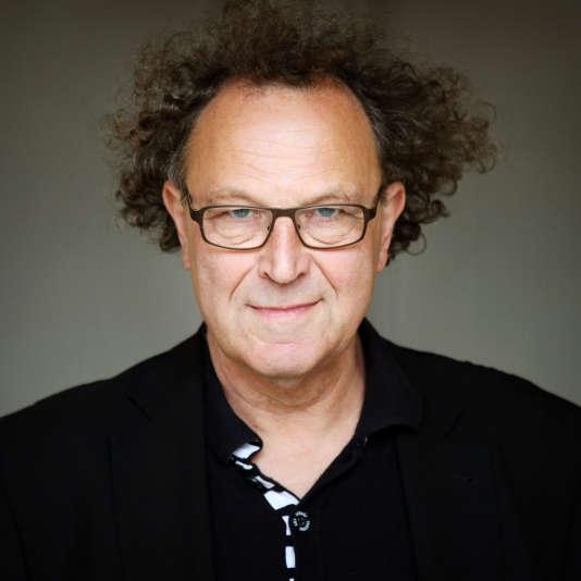 L'écrivain Jean-Michel Delacomptée.