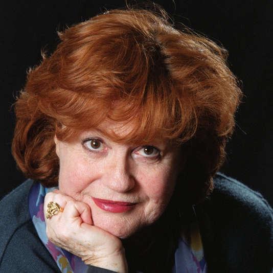 La comédienne Geneviève Fontanelà Paris,le 17 avril 2002.